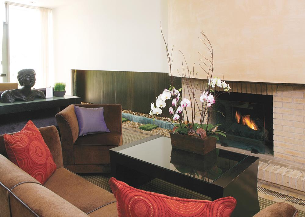 Acqua Hotel Lobby